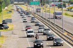 Comenzó el éxodo: más del mil autos por hora rumbo a la Costa Atlántica