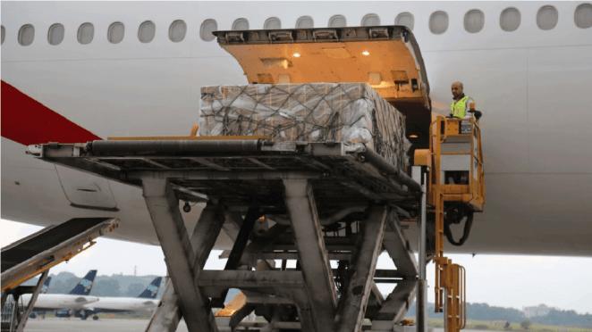 Emirados Árabes doam 10 toneladas de material de saúde ao Brasil