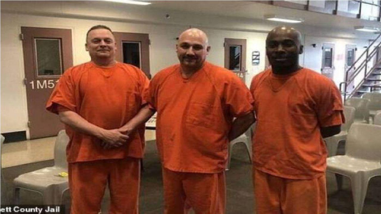 Presos deixam cela correndo e salvam vida de Policial que estava sofrendo ataque cardíaco: Veja!