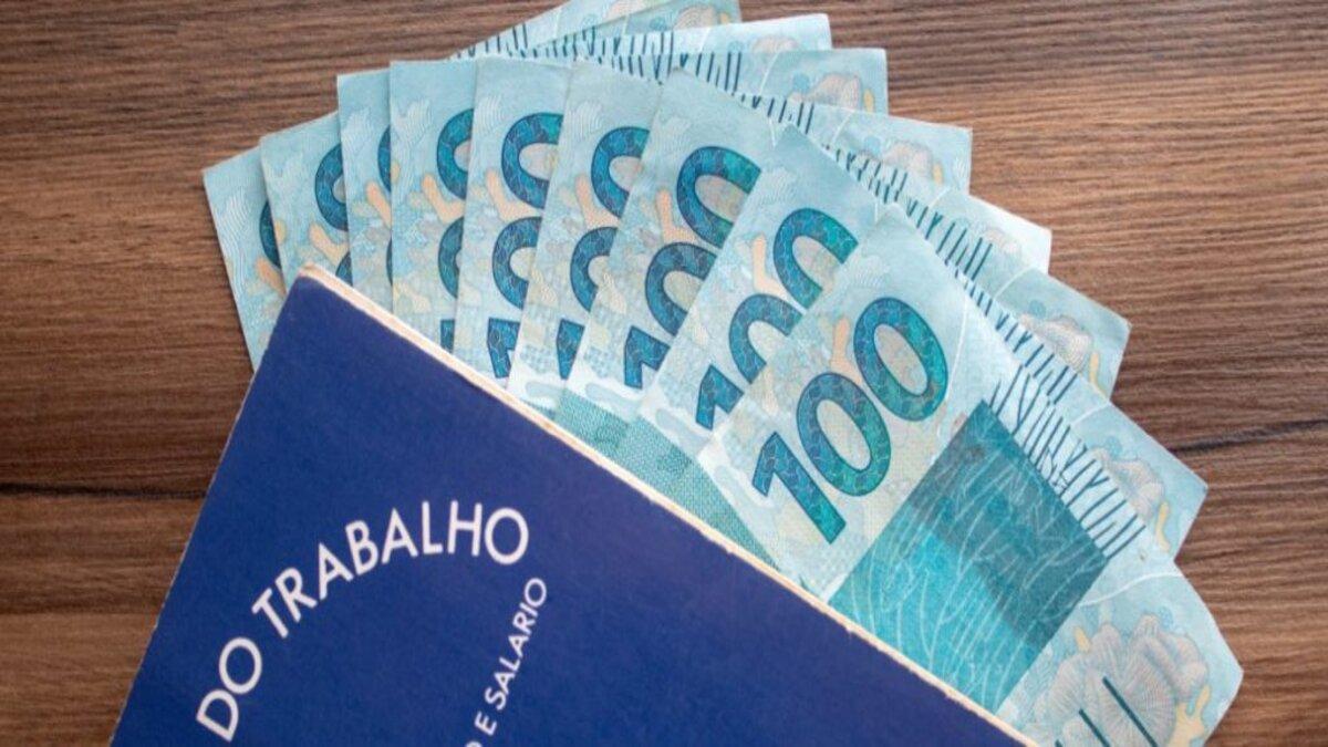 Governo reduz proposta de R$ 1.079 e faz uma nova proposta para o salário mínimo para 2021, confira o novo valor