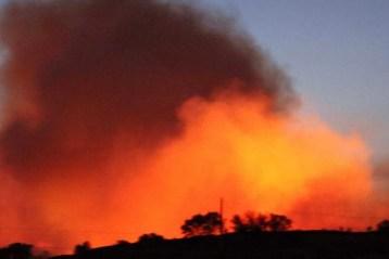 Incendio en Madrid sigue sin control