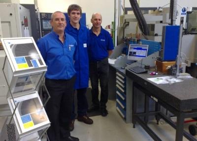 L'équipe de Turbomeca au Royaume-Uni lors de la mise en place d'un projet SPC Vision.