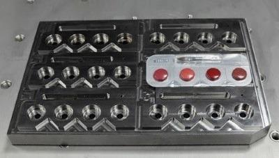 Usinage moule métallique de production multi empreintes