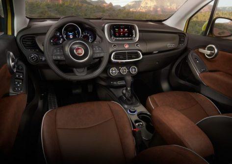 2017-Fiat-500X-Trekking-cabin