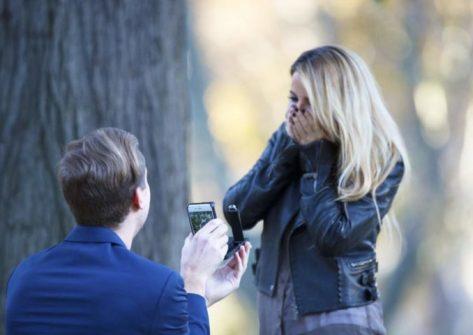 smartphone rokshok-anello di fidanzamento-smartphone per matrimonio-proposta matrimonio social