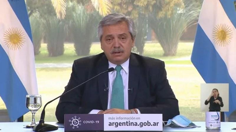 """El presidente, Alberto Fernández dijo que """"Los distritos con clases presenciales están jugando con fuego""""."""
