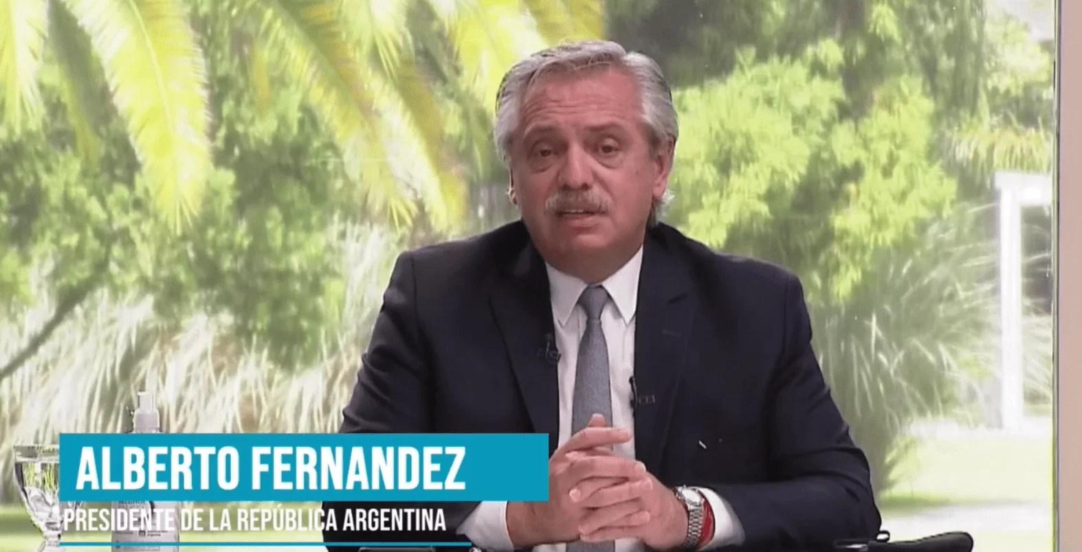 """Fernández dijo que """"no puede haber diferencias ideológicas"""" en cuestiones de salud pública"""