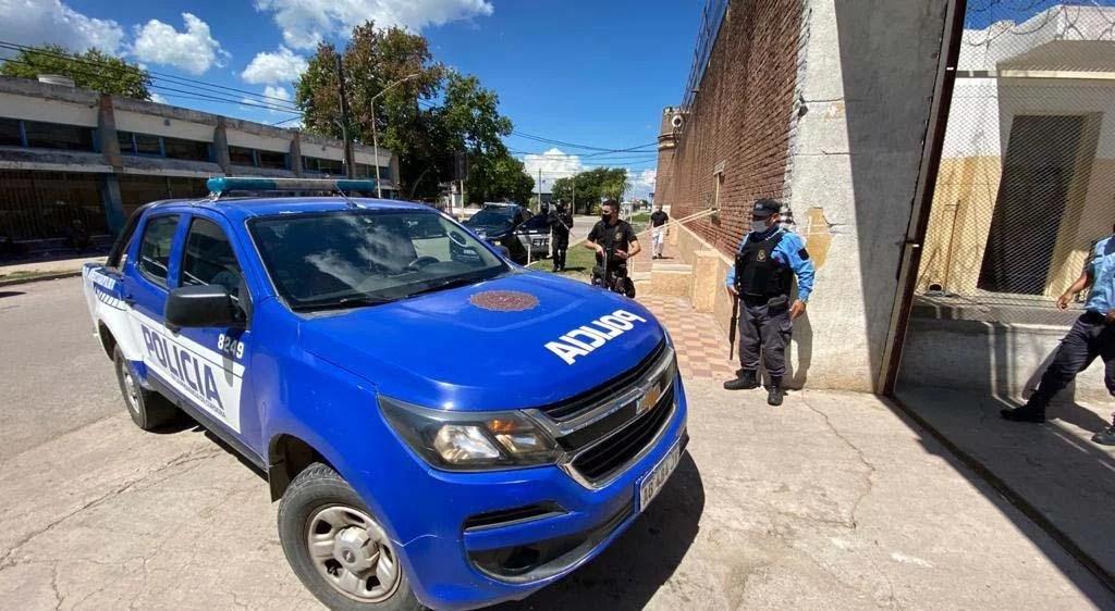 Berrotarán: mataron a un policía, hay cuatro detenidos y un prófugo