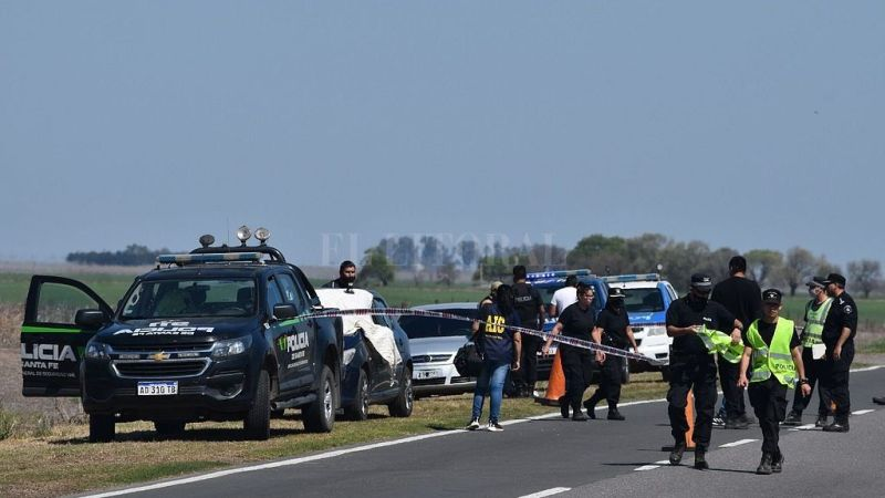Elortondo: Un policía mató a su exmujer tras cruzarla con otro hombre.