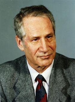 Bundesarchiv Bild 183-1989-1208-420, Markus Wolf.jpg