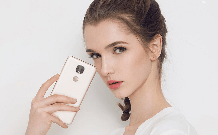 LeEco Le Pro 3 With AI LeLe Digital Assistant