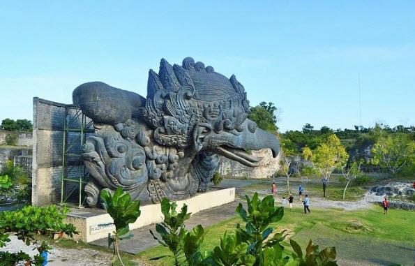Garuda-Wisnu-kencana-tempat-wisata-dibali