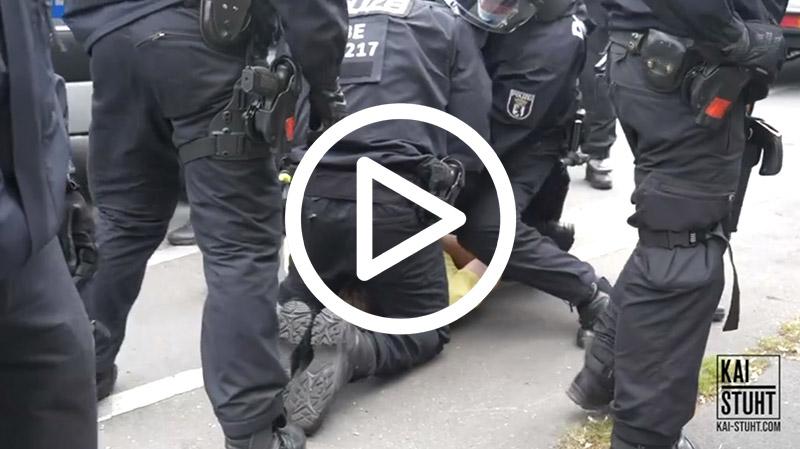 Polizeigewalt gegen friedliche Demonstranten