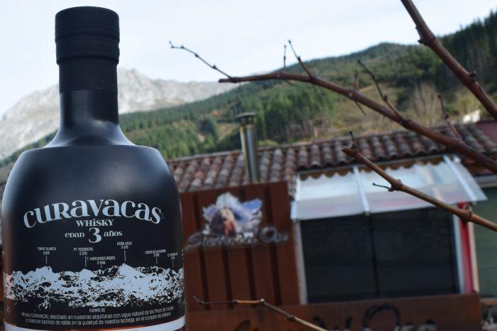 La destilería Sierra del Oso saca al mercado 'Curavacas', el primer whisky elaborado en Cantabria