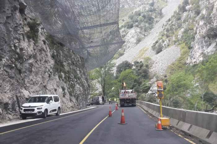 El TACRC paraliza temporalmente la adjudicación de la reforma del Desfiladero de La Hermida