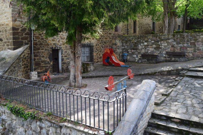 Potes licita la construcción de un parque infantil cubierto en Santa Olaja