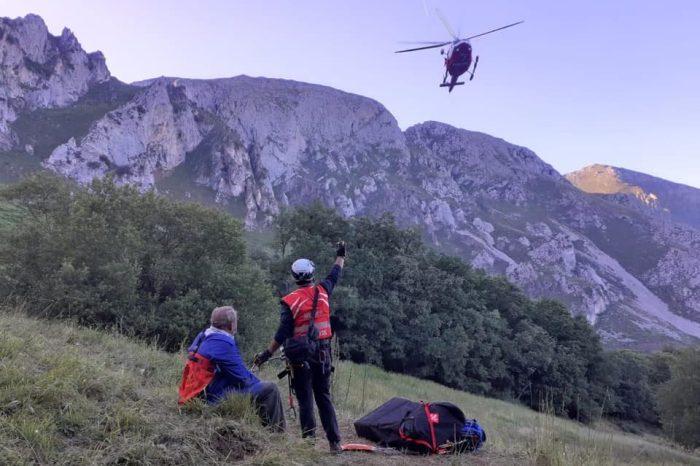 El helicóptero evacúa a un hombre de 74 años con una lesión en Cillorigo de Liébana