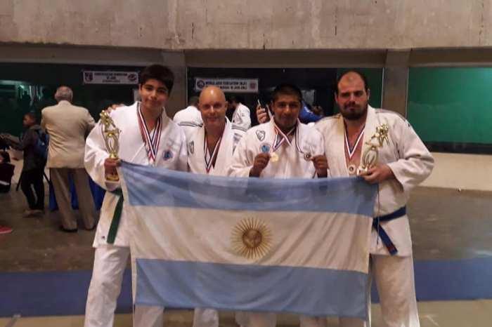 Medallas para escuelas de Judo y de Kurash de Junín y San Martín en República Dominicana
