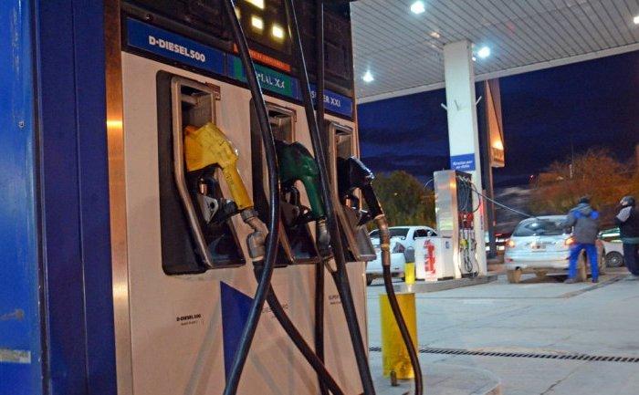 YPF bajó el precio de la nafta y el gasoil hasta un 3,2 por ciento