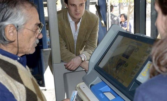 Capacitan en Neuquén capital sobre el uso de la boleta electrónica