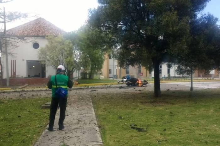 Explota un coche bomba en una escuela de policía de Bogotá
