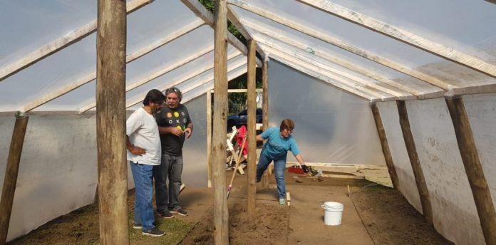 Construyen un invernadero en el predio del hospital de San Martín de los Andes