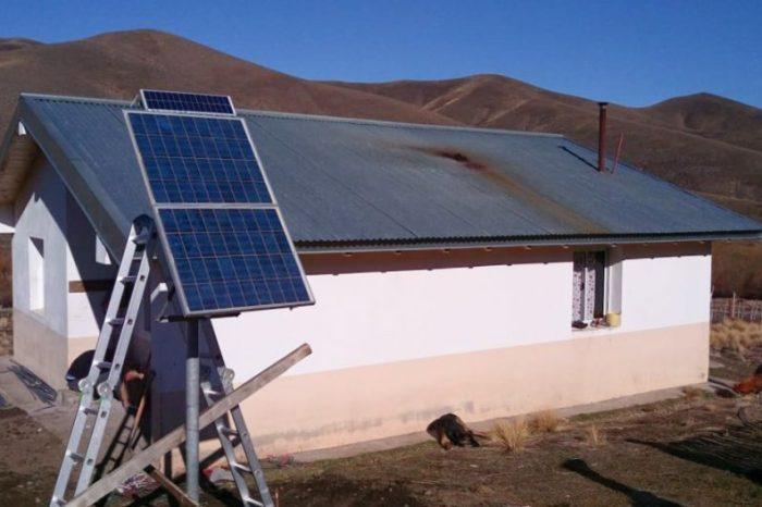 Energía para seis familias del paraje Kilca