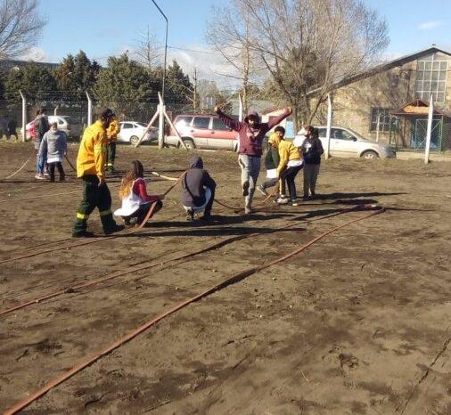 El ICE JA y Educación Ambiental Junín de los Andes capacitaron a niñas y niños sobre incendios forestales
