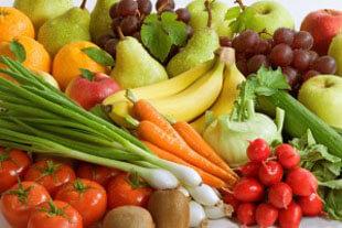 Solo 6 de cada 100 argentinos consumen las cinco porciones diarias de frutas y verduras necesarias