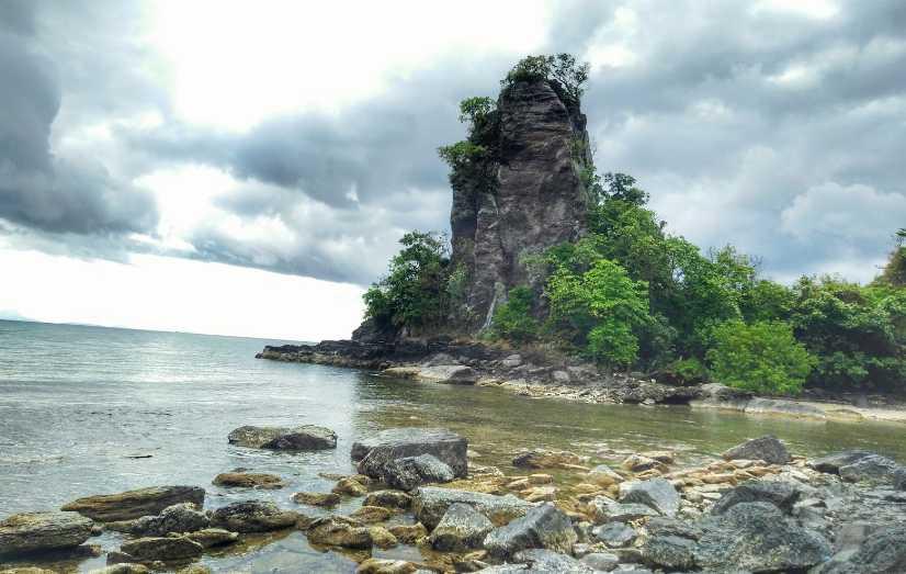 pantai batu alif