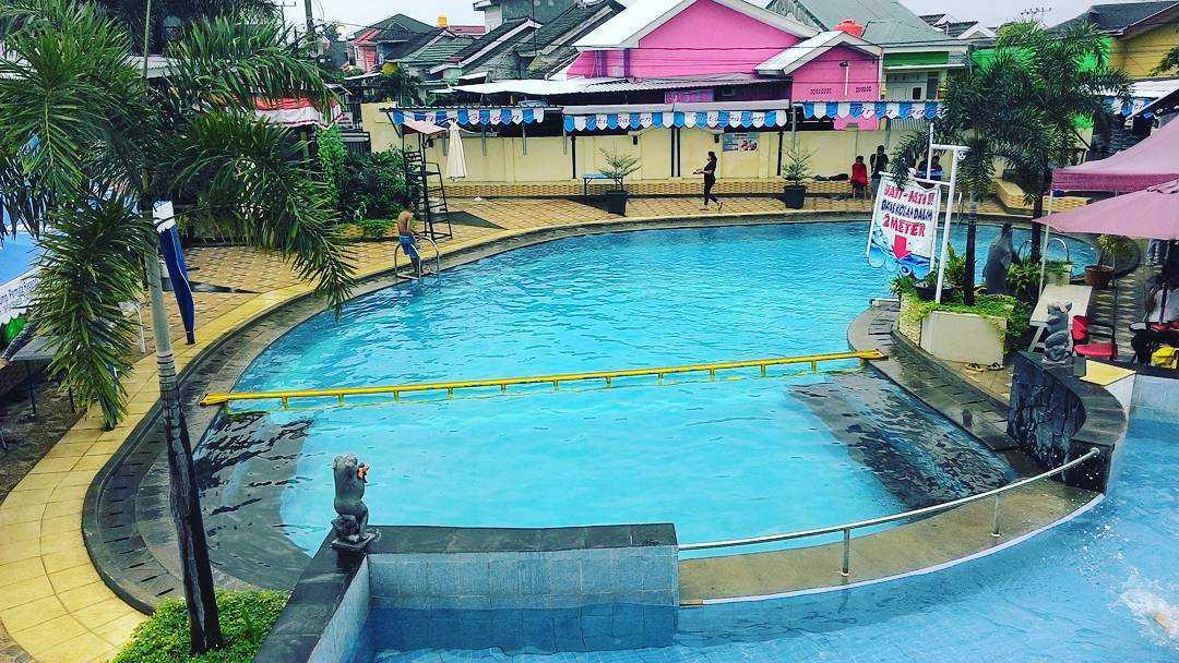 wisata kolam renang tirta garden