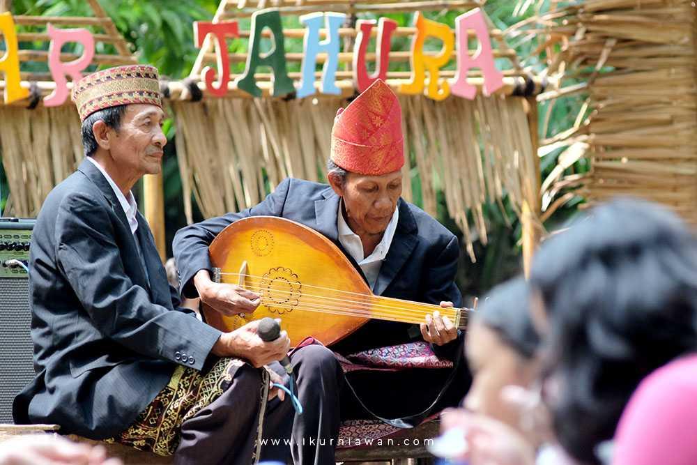 gambus alat musik tradisional lampung