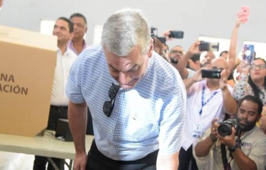 """Gonzalo Castilllo ejerciendo su derecho al voto: """"Sean cuales sean los resultados que sean acatados por todos"""""""