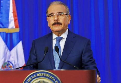 Danilo Medina extiende toque de queda hasta el 13 de junio