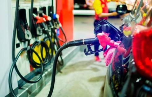 Los combustibles vuelven a subir hasta RD$5.50 por galón