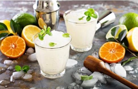 3 bebidas cítricas muy refrescantes para quítarte el calor