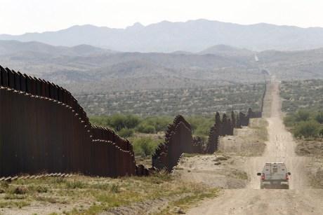 Jóvenes originarios de Tlaxcala fueron reportados como perdidos en el desierto.
