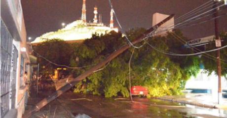 Múltiples daños dejó la tormenta de anoche en Hermosillo.