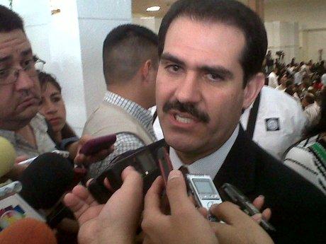 El gobernador Guillermo Padrés Elías.
