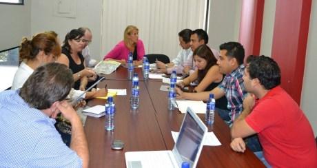 Se reúnen autoridades municipales y del Consulado Americano.