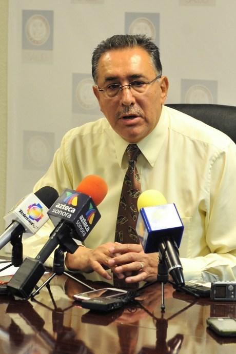 El Dr. Sergio Olvera Alba.