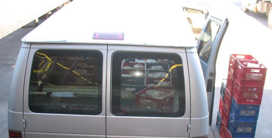 Camioneta Ford donde era transportada la droga.