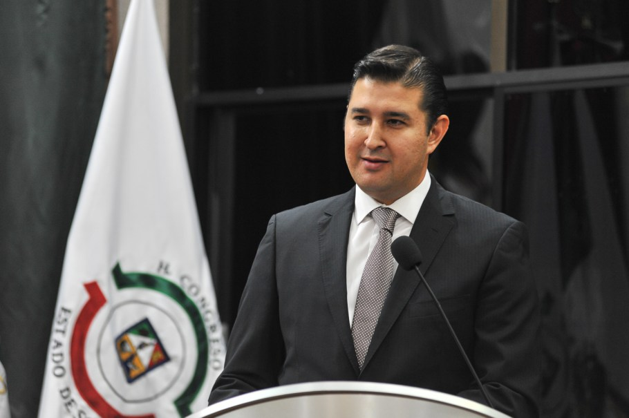 El diputado Javier Neblina.