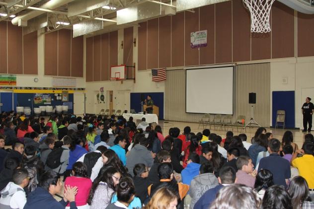 Se impartió el programa en la escuela Calabazas de Nogales, Arizona.