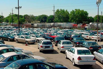 Legalización de autos «chuecos» está en análisis: Senadora