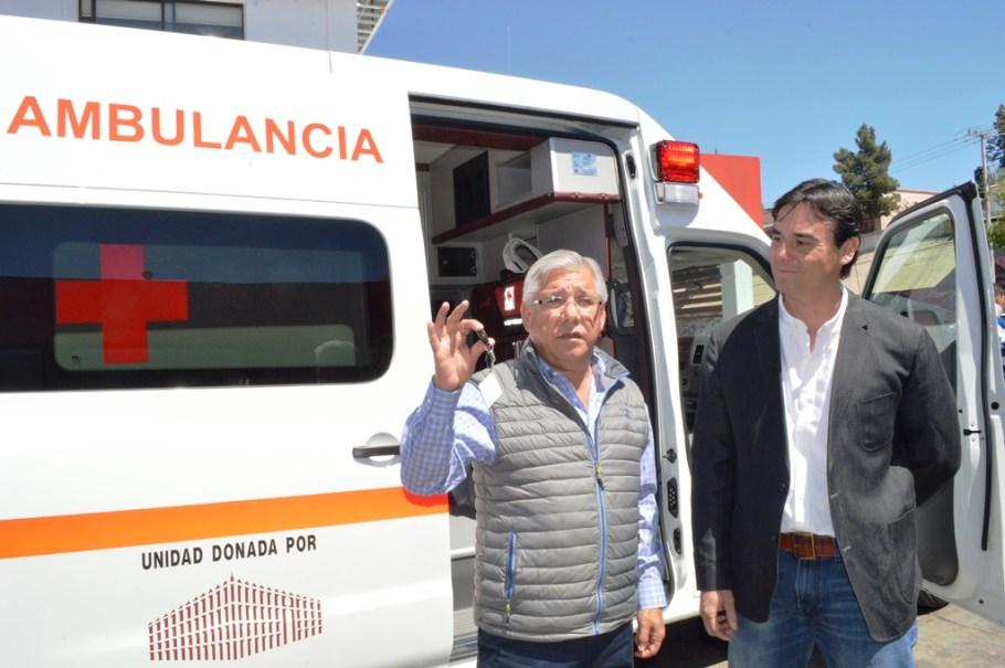 Entrega Alcalde ambulancia a la Cruz Roja de Nogales.