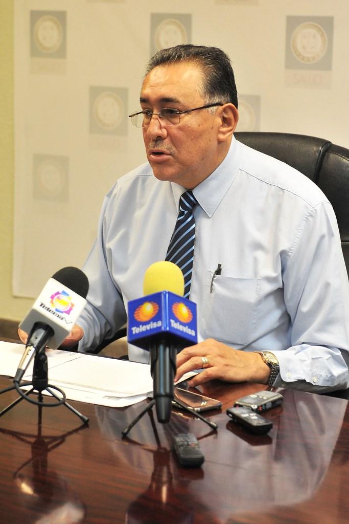 El Dr. Olvera durante la rueda de prensa.
