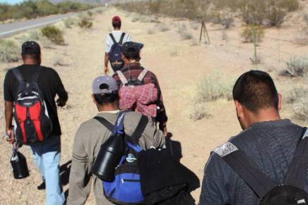México: sí hay trabajo aquí, pero pagan poco, afirman migrantes en Sonora