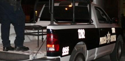 Capturan a menor de edad por agredir a policías tras pelea en la Unidad Deportiva