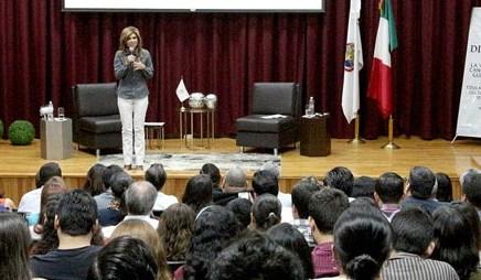 Pide Gobernadora Pavlovich atención especial a menores que pudieran ser repatriados de Estados Unidos